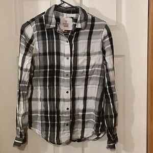Juniors flannel shirt size small